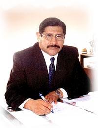 """Reynaldo Marconi autor del libro """"El milagro de inclusión financiera: La industria microfinanciera de Bolivia (1990-2013)"""""""